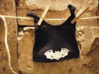 Babymütze Fledermaus, leuchtend, two knots, schwarz